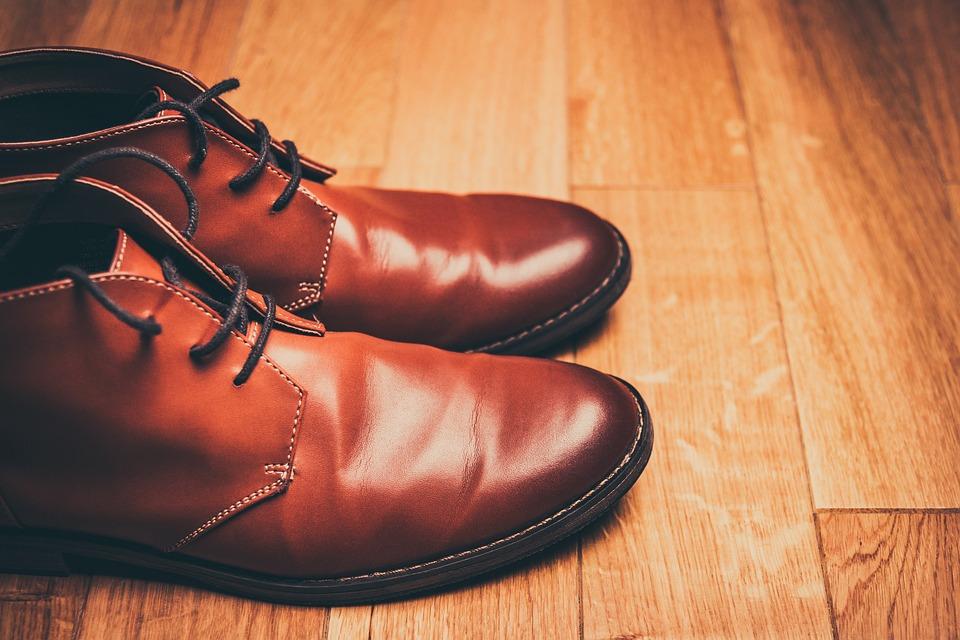 Zieh dir nicht jedes Paar Schuhe an, das man dir hinstellt.